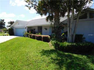 10 Meadowlake Ct, Winter Haven, FL