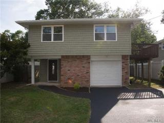 19 Linwood Ave, Huntington, NY