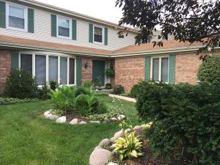 2710 Greenwood Avenue, Highland Park IL