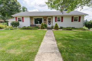 813 W Division St, Watertown, WI