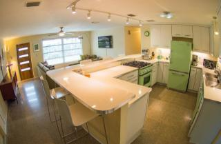 512 S Pine St, New Smyrna Beach, FL