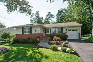 11 Seville Dr, Somerville, NJ