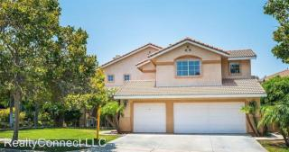 2700 Via Corazon Dr, Corona, CA