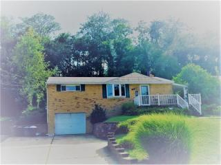 4503 Mapledale Dr, Homestead, PA