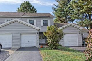 7003 Suzanne Ln, Schenectady, NY