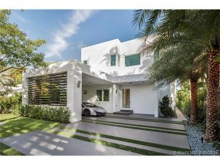 1510 Bay Dr, Miami Beach, FL