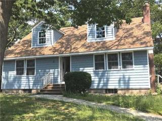 53 N Montgomery Ave, Bay Shore, NY