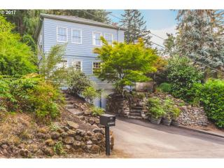 10655 SW Collina Ave, Portland, OR