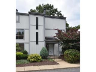 1552 Pinehurst Dr, Upper Saint Clair, PA