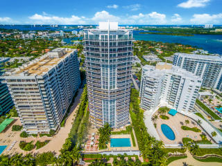 10225 Collins Ave, Bal Harbour, FL