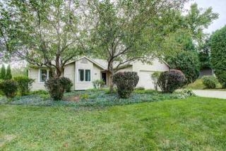 2906 Tucson Trl, Madison, WI