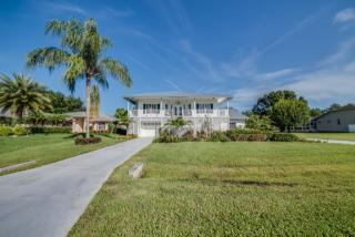 6880 Circle Dr, Fort Myers, FL