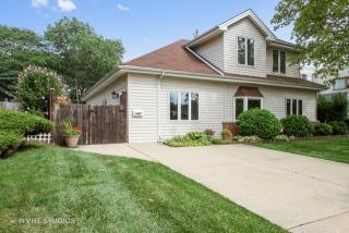 1441 Maple St, Glenview, IL