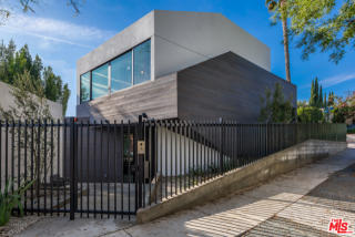855 Hilldale Ave, West Hollywood, CA