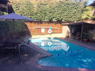 580 1st St, Lake Oswego, OR