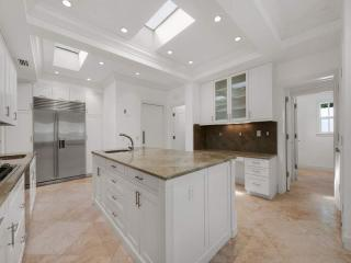 161 Woodbridge Rd, Palm Beach, FL