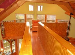 1040 Overlook Mountain Rd For Rent