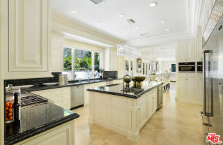 1350 Benedict Canyon Dr, Beverly Hills, CA