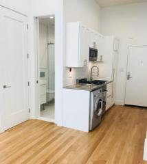 220 E 22nd St #1D, Manhattan, NY