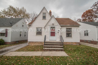 4352 Ingleside Rd, Warrensville Heights, OH