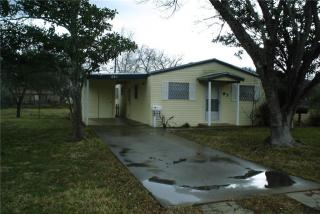 261 S 12th St, Aransas Pass, TX