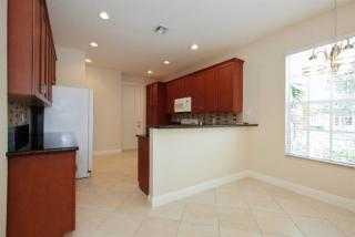 4769 Lakeside Cir E, Davie, FL