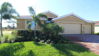 2971 Sunset Pointe Cir, Cape Coral, FL