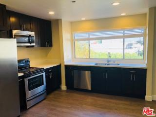 875 Victor Ave #350, Inglewood, CA