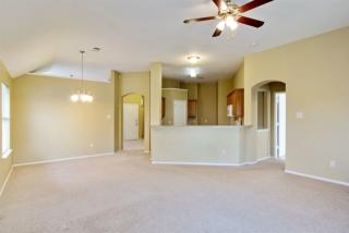 505 Pineview Ln, Fort Worth, TX