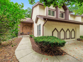 1008 Braemoor Dr #1008, Downers Grove, IL
