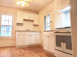 30 Hoffman St #2, Kingston, NY