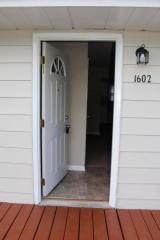 1602 Vine Ct, Hobart, IN