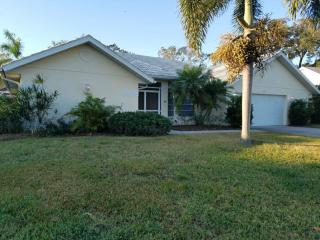 437 Lake Of The Woods Dr, Venice, FL