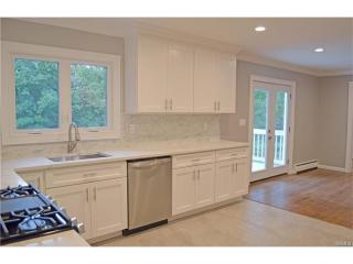 22 Victory Rd, Suffern, NY