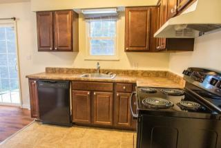 37 Canterbury Woods St, Queensbury, NY
