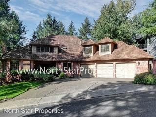 19244 35th Pl, Lake Oswego, OR