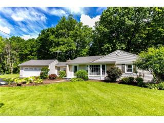 7856 Scotland Dr, Chagrin Falls, OH