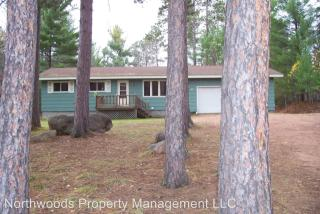1306 Moonlite Dr, Eagle River, WI