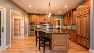 18614 Fox Hollow Ct, Northville, MI