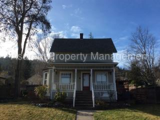 325 N Main St, Ashland, OR