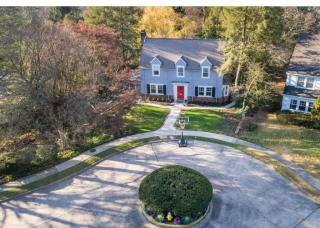 42 Lakeview Dr, Moorestown, NJ