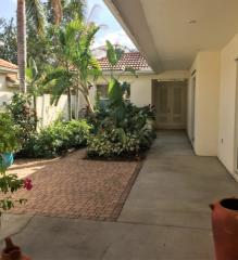 3204 Sundance Cir, Naples, FL