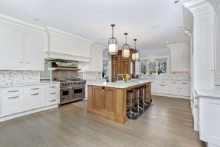 186 Shore Rd, Old Greenwich, CT