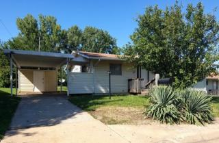 1704 SW Clearview Ln, Topeka, KS