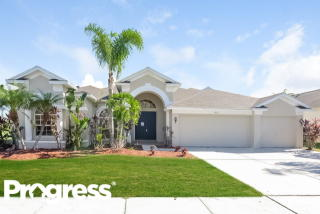 4322 Waterford Landing Dr, Lutz, FL