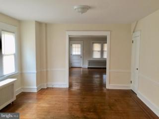 39 W Elkinton Ave, Chester, PA