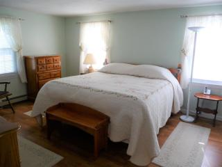 61 Elm St, Epping, NH