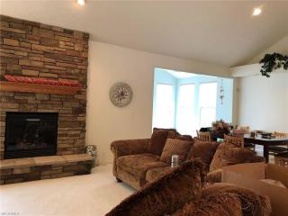 210 Treetop Spur, Copley, OH