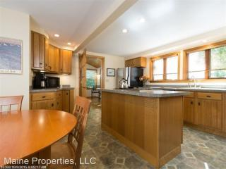 463 Cobbs Bridge Rd, New Gloucester, ME