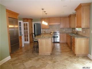 165 Circle Rd, Muttontown, NY